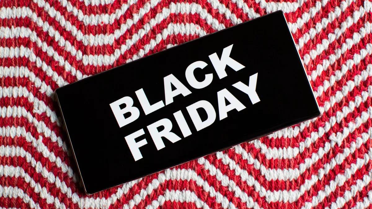 Black Friday và Cyber Monday luôn là trọng tâm của các chiến dịch marketing (Nguồn ảnh: CNET)